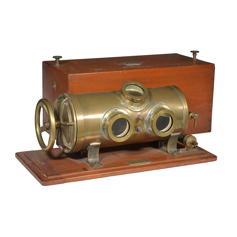 A rare portable aneroid altimeter calibration pressure chamber, R.W. Munro Ltd, for use by the Air Ministry, London/Harlow, circa 1940