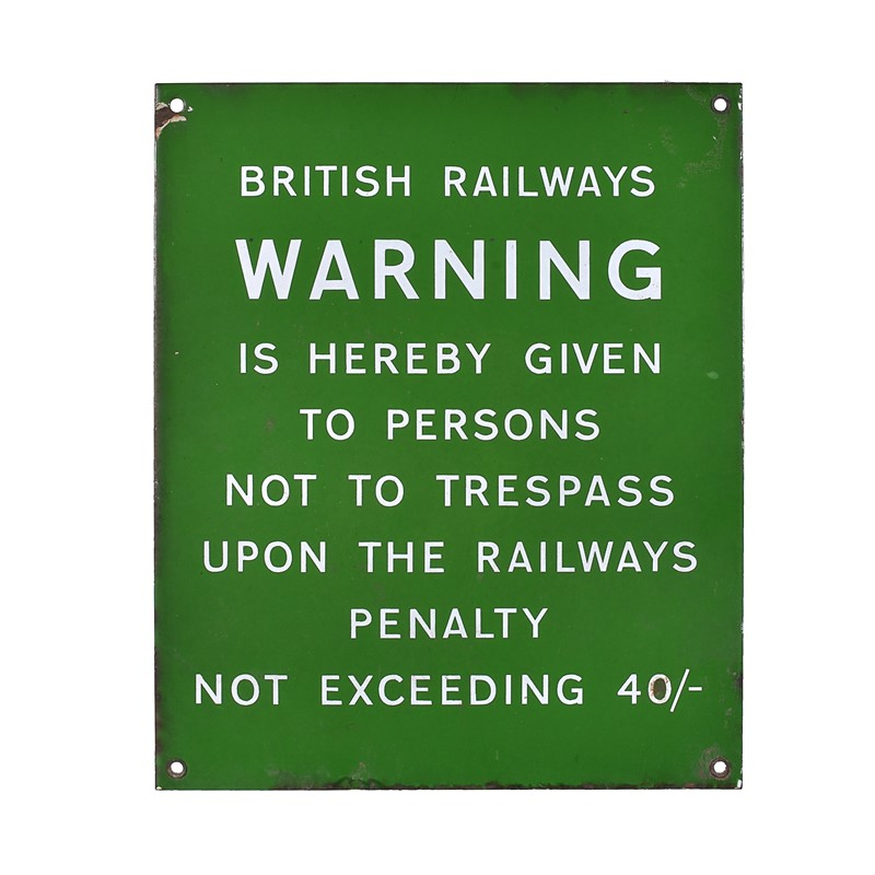 A Southern Railway sign