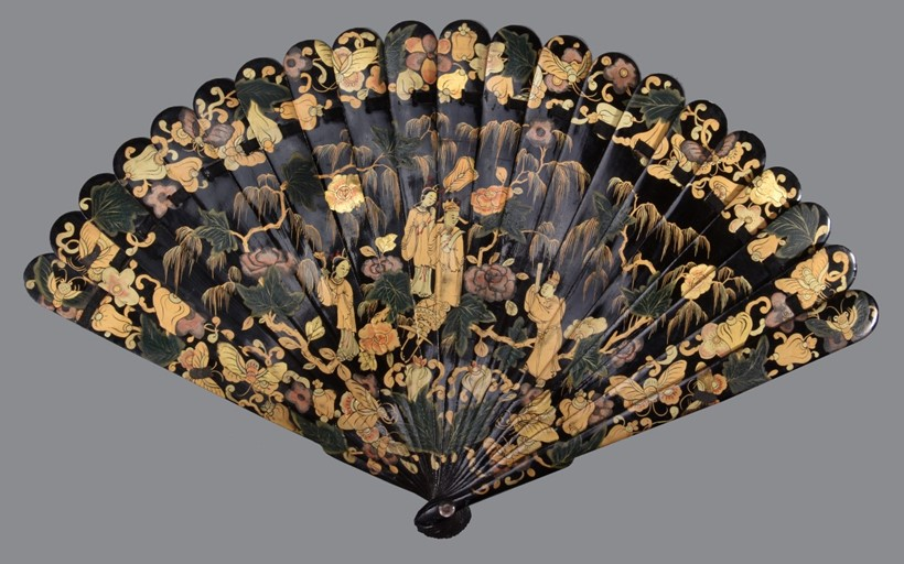 Inline Image - Lot 196, Chinese lacquered bamboo brise fan, Qing Dynasty; est. £300-500 (+fees)
