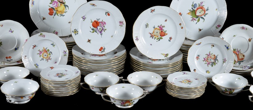 Inline Image - Lot 174, a modern Herend porcelain 'Market Garden' pattern part dinner service; est. £1,000-2,000 (+fees)