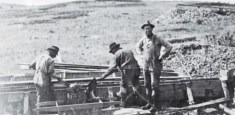 Inline Image - Late 19th century photograph of miners prospecting for sapphires in Montana