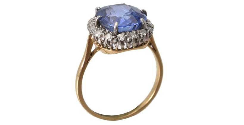 Inline Image - A natural Blue-Purple Colour Change Sapphire ring. Sold at Dreweatts for £4,000