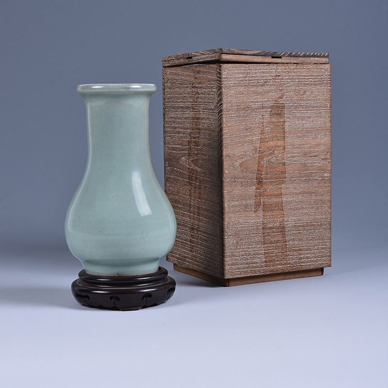 A good Chinese Longquan celadon vase