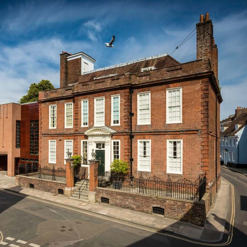 Dreweatts Announces 3-Year Sponsorship of Pallant House Gallery