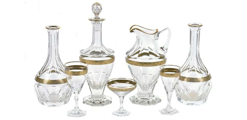 Inline Image - Lot 64: A modern Moser clear glass and gilt part table service; and a pair of Moser carafes similar | Est. £800-1,200 (+fees)