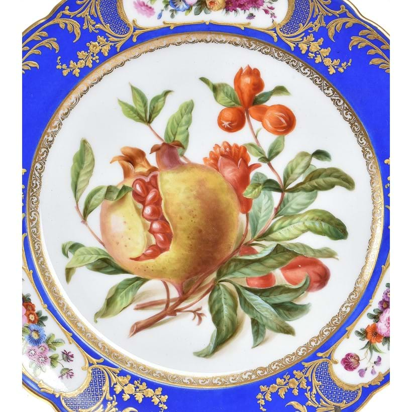 Inline Image - Lot 311: A Paris porcelain (Boyer Sr de Feuillet) blue-ground and gilt Sevres-style part dessert service, second quarter 19th century | Est. £1,000-1,500 (+fees)