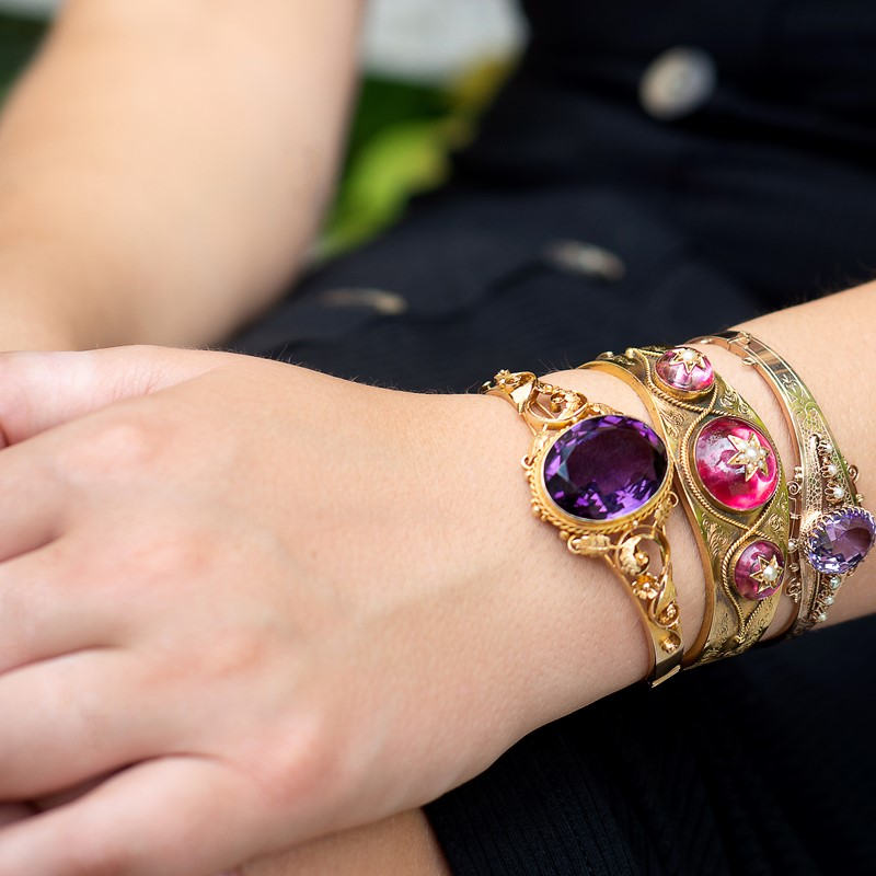 The 5 most important things to look for when buying antique jewellery