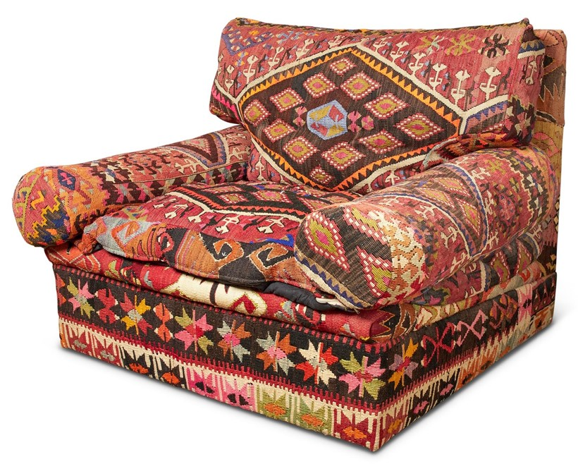 Inline Image - Lot 552: AN OVERSIZED GEORGE SMITH 'CLUB' ARMCHAIR UPHOLSTERED IN KILIM STYLE FABRIC, MODERN | Est. £800-1,200 (+fees) | Sold for £5,250