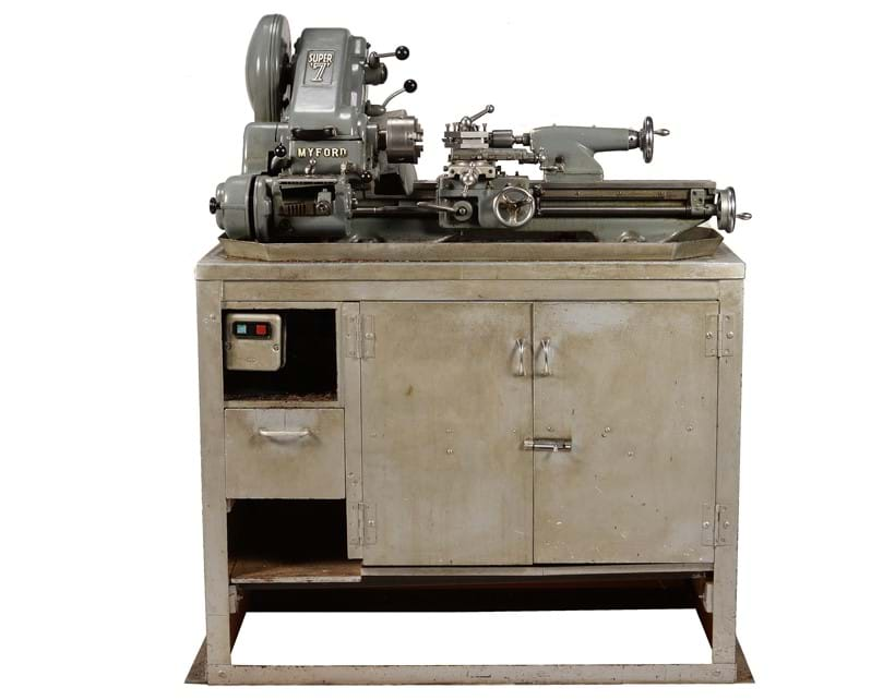Inline Image - Lot 98: A single phase Myford Super 7b Model Engineers lathe on stand | Est. £1,000-1,500 (+fees)